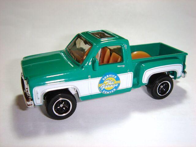 File:MBX Chevy Stepside Pickup 1975.jpg