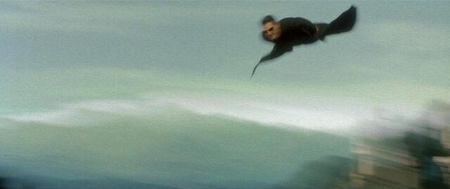 File:Neo flies for freeway.JPG