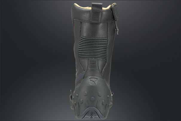 File:Puma sneakingboots pic5.jpg