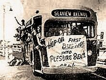 CR & L's INAUGURAL BUS (-13 SEAVIEW AVE.) TO PLEASURE BEACH - BPT. CT 1940s