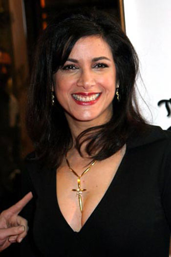 Saundra Santiago age
