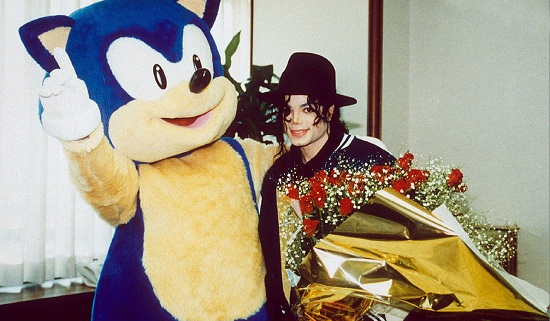 File:Michael Jackson with Sonic the Hedgehog.png