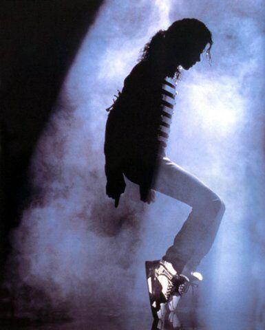 File:Michael (on his toes) haha.jpg