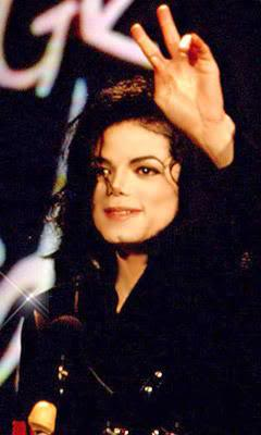 File:MJ-Gives-The-Peace-Sign-Cool-D-michael-jackson-25152193-240-400.jpg