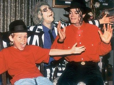File:Michael Jackson and Macaulay Culkin with Beetlejuice.jpg