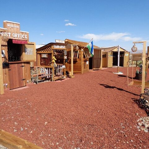 The Red Square, Baughston, Molossia.