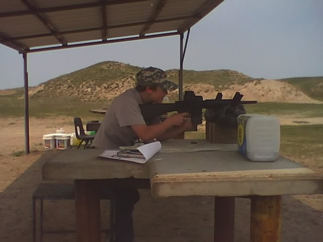 File:Ilif citizen shooting a 308..jpg