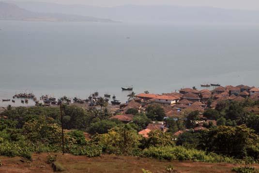 File:Fishing-village-dighi-1-.jpg