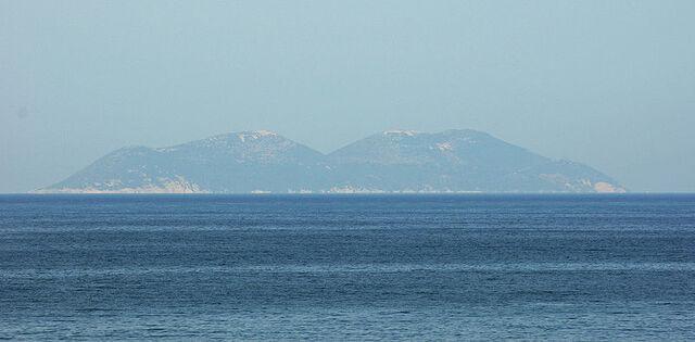 File:Sazan Island.jpeg
