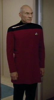 File:180px-Starfleet dress uniform, 2368.jpg