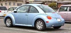 800px-Volkswagen New Beetle 002