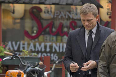 File:Daniel-Craig-on-the-set-The-Girl-with-the-Dragon-Tattoo.jpg