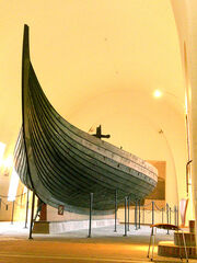 Gokstad Viking ship.jpg