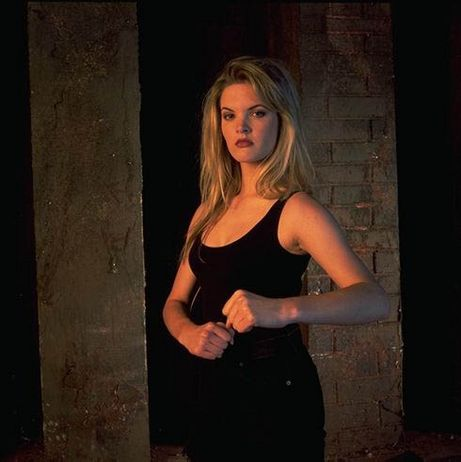 File:Bridgette Wilson as Lt. Sonya Blade.jpg
