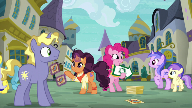 File:Saffron Masala getting Ponet's attention S6E12.png