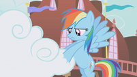 Rainbow Dash handling the cloud S1E05