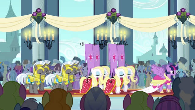 File:Standard-Bearers and Guards S3E13.png