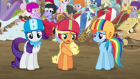 Applejack apologizing to the Crusaders S6E14