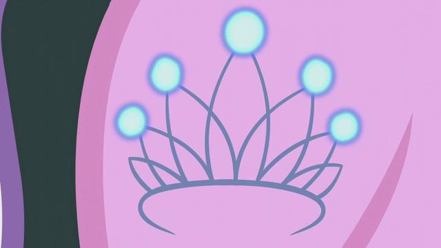 File:Diamond Tiara's cutie mark lightly shines S5E18.png