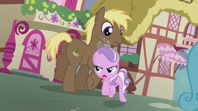 File:Diamond gallops toward Coco Crusoe S5E18.png