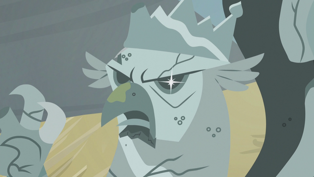 File:Twinkle in King Grover's statue's eye S5E8.png