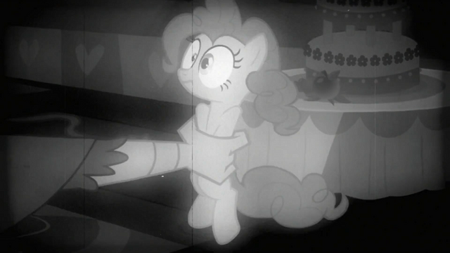 File:Gustave grabbing Pinkie S2E24.png
