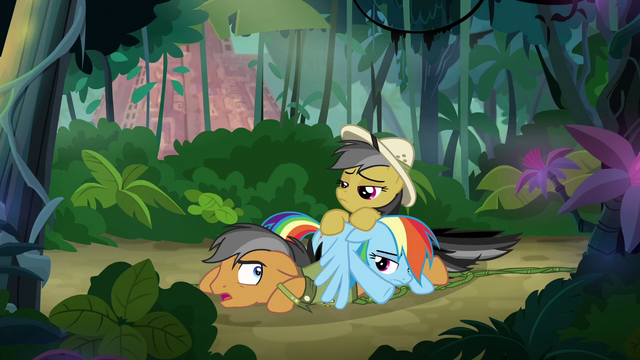 File:Rainbow, Quibble, and Daring in a pile S6E13.png