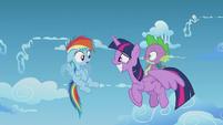 Rainbow Dash notices Twilight is an Alicorn S5E25