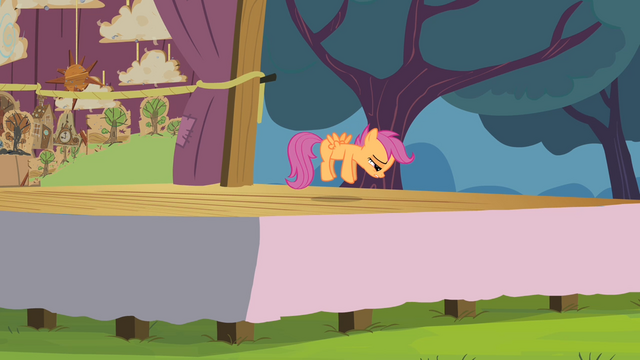 File:Scootaloo 'Thirty times as hard...!' S4E05.png