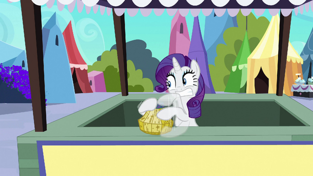 File:Rarity frantically crafting basket S3E02.png
