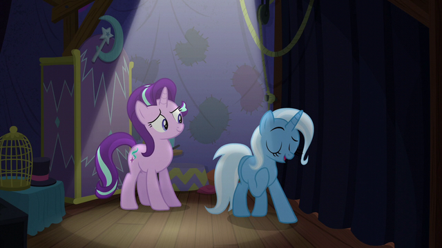 File:Trixie correcting herself S6E6.png
