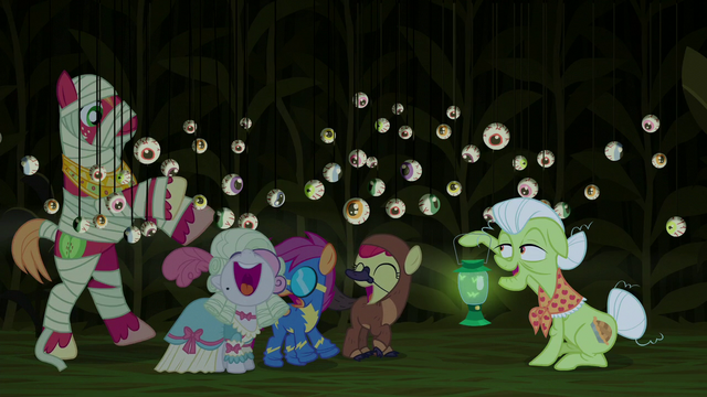 File:Cutie Mark Crusaders happily scared S5E21.png
