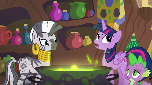 """File:Twilight """"they're having fun with Discord"""" S5E22.png"""