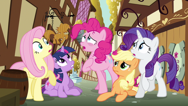 File:Rarity & Fluttershy startled S3E7.png