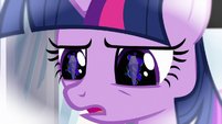 Twilight looking at dark crystal S3E2