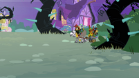 Zecora leaving the Everfree Forest S4E01