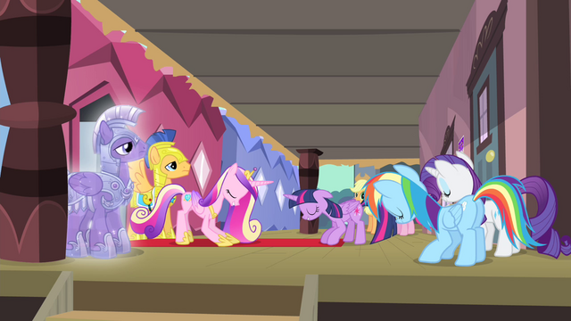 File:Twilight and friends bowing down S4E11.png