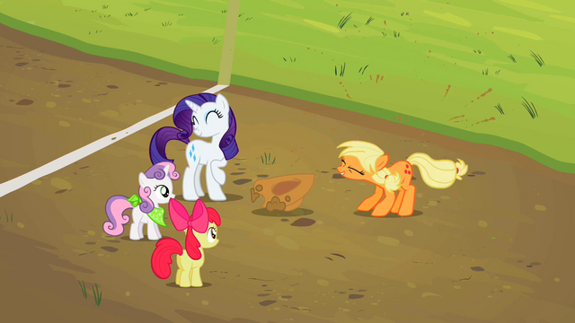 File:Applejack Shaking Clean S2E5.png