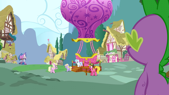 File:Cherry Berry giving hot air balloon rides S3E9.png