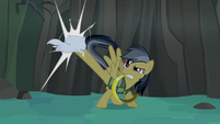Daring Do kicking white kitten S4E04