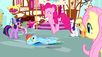 Pinkie Pie excited about the party S4E12