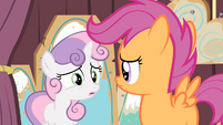 Sweetie Belle 'We've gotta catch the early train to the Crystal Empire' S4E05