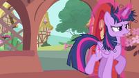 Twilight Sparkle closing her door S4E23
