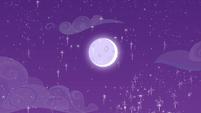 Glittery moon in the Crystal Empire sky S4E25
