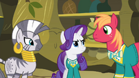 Zecora, Rarity and Big Mac looking S4E14