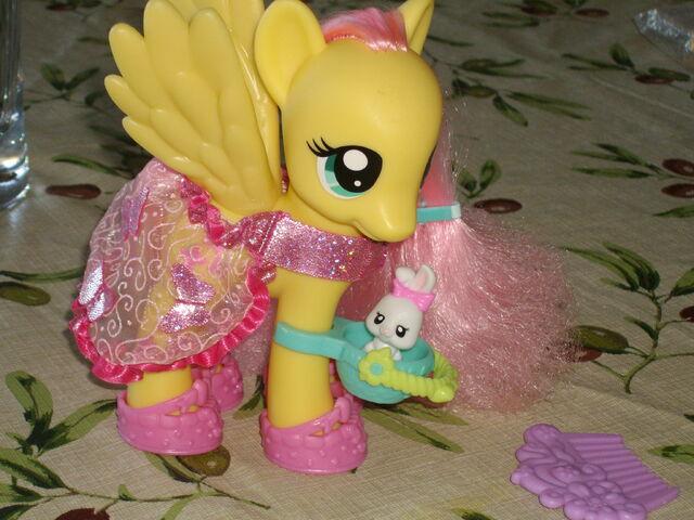 File:Fashion Style Fluttershy Toy 2.jpg