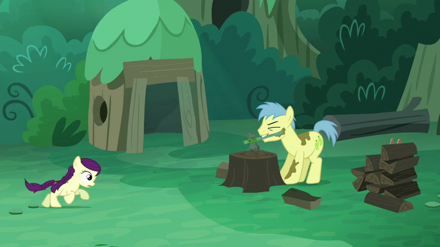 File:Goldengrape axes wood; Boysenborry runs towards Goldengrape S5E26.png