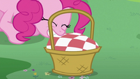 Pinkie Pie pulling cloth S2E03