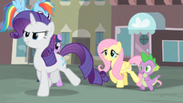 Rarity and her friends walking S4E08