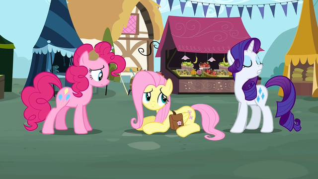 File:Rarity walk away S2E19.png